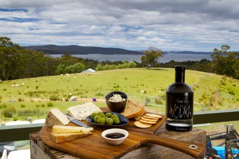 Private Channel and Huon Food Tour From Hobart 2 – 3 Passengers Tasmania Australia