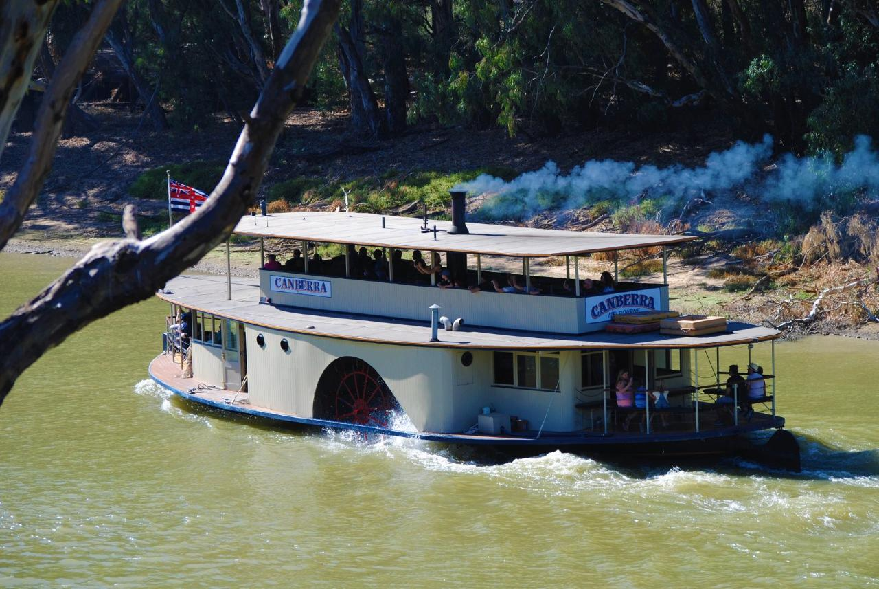 PS Canberra - 1 Hr Murray River Cruise