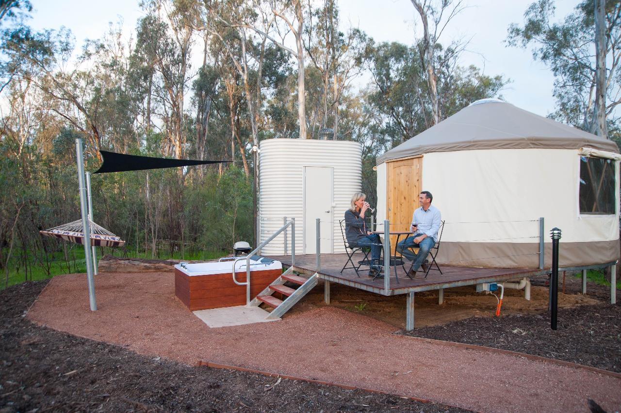 2 night discover the murray river u0026 retreat package upper deck
