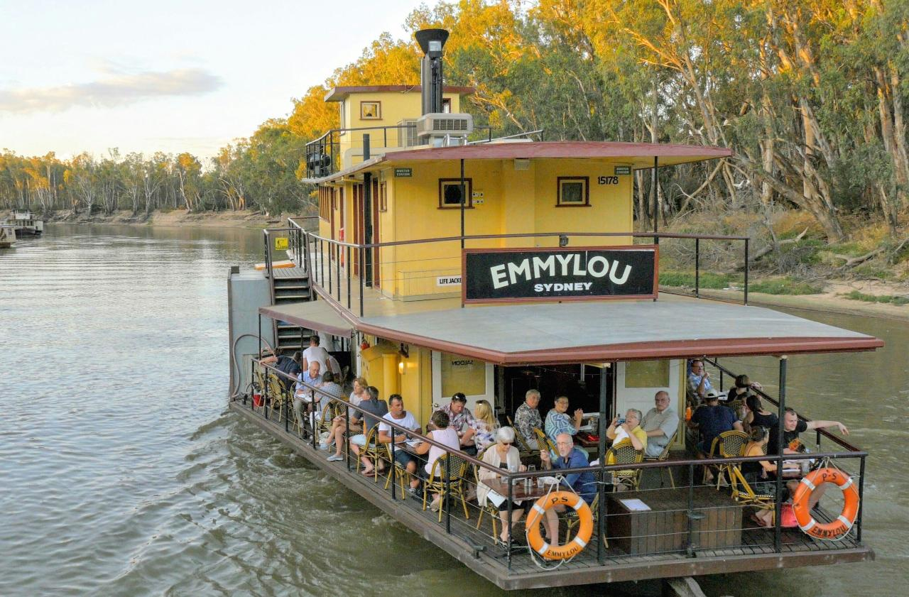 Redgums on PS Emmylou 2 Hour Cruise & Lunch Package