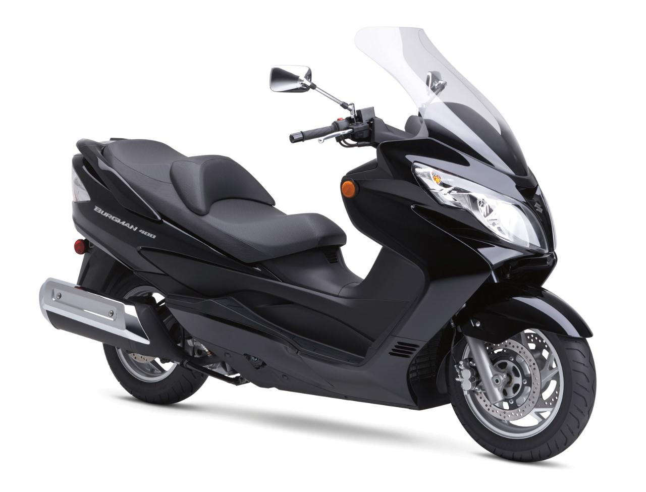 Suzuki Burgman 400cc Scooter Rental-Motorcycle License Required