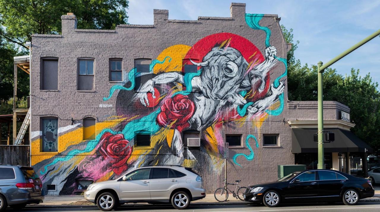 Bike Your Favorite Neighborhood Tour: The Fan