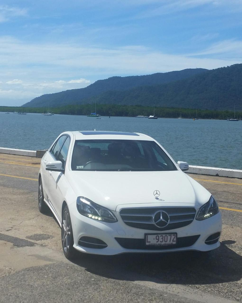Port Douglas to Cairns Airport - Luxury Sedan