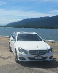 Cairns Airport to Port Douglas - Luxury Sedan
