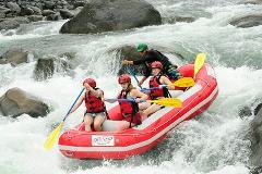 Rafting Class 3 and 4 Sarapiqui River Jungle Run
