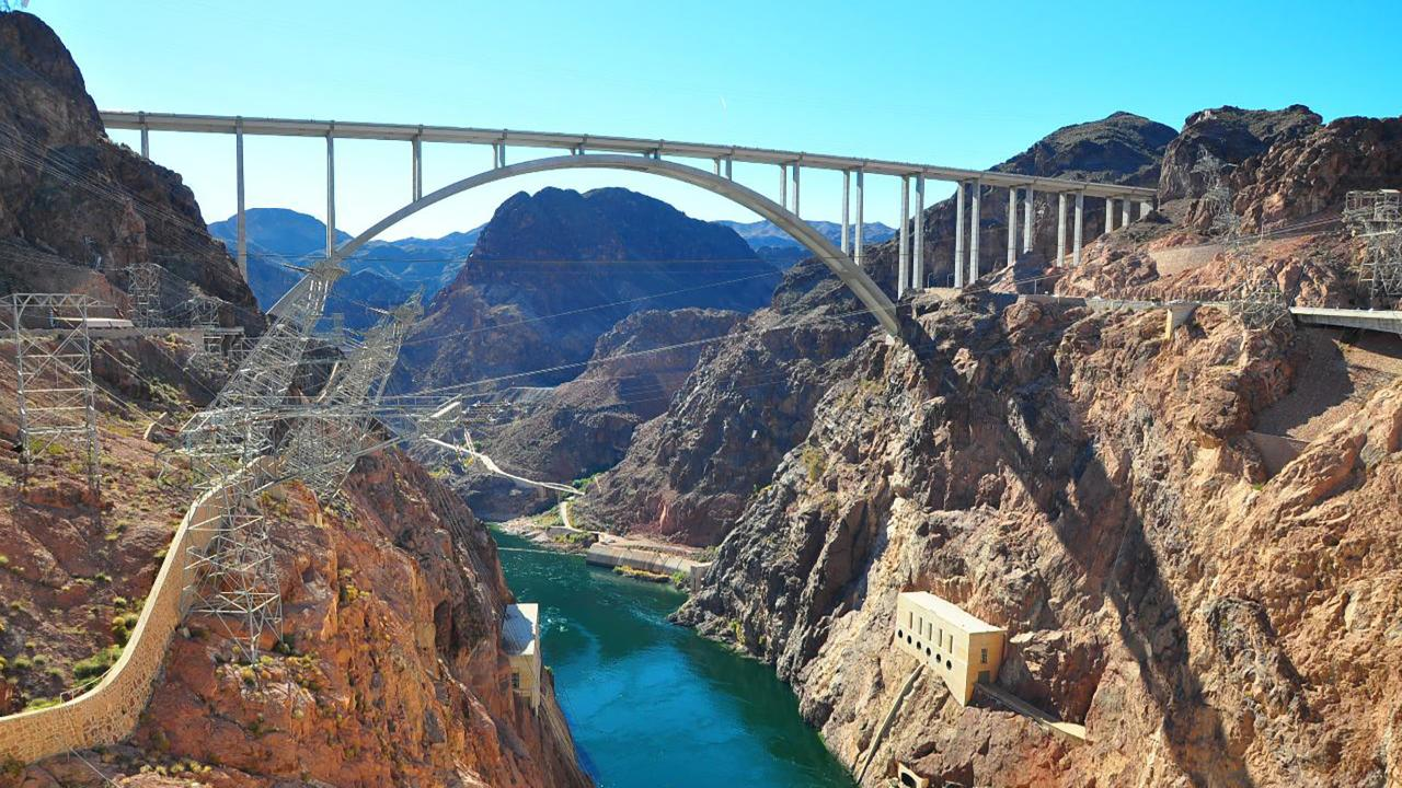 GC- Hoover Dam Express -  Bus photo 7