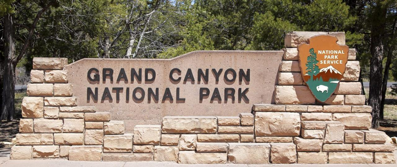 Grand Canyon National Park Luxury Bus Tour photo 2