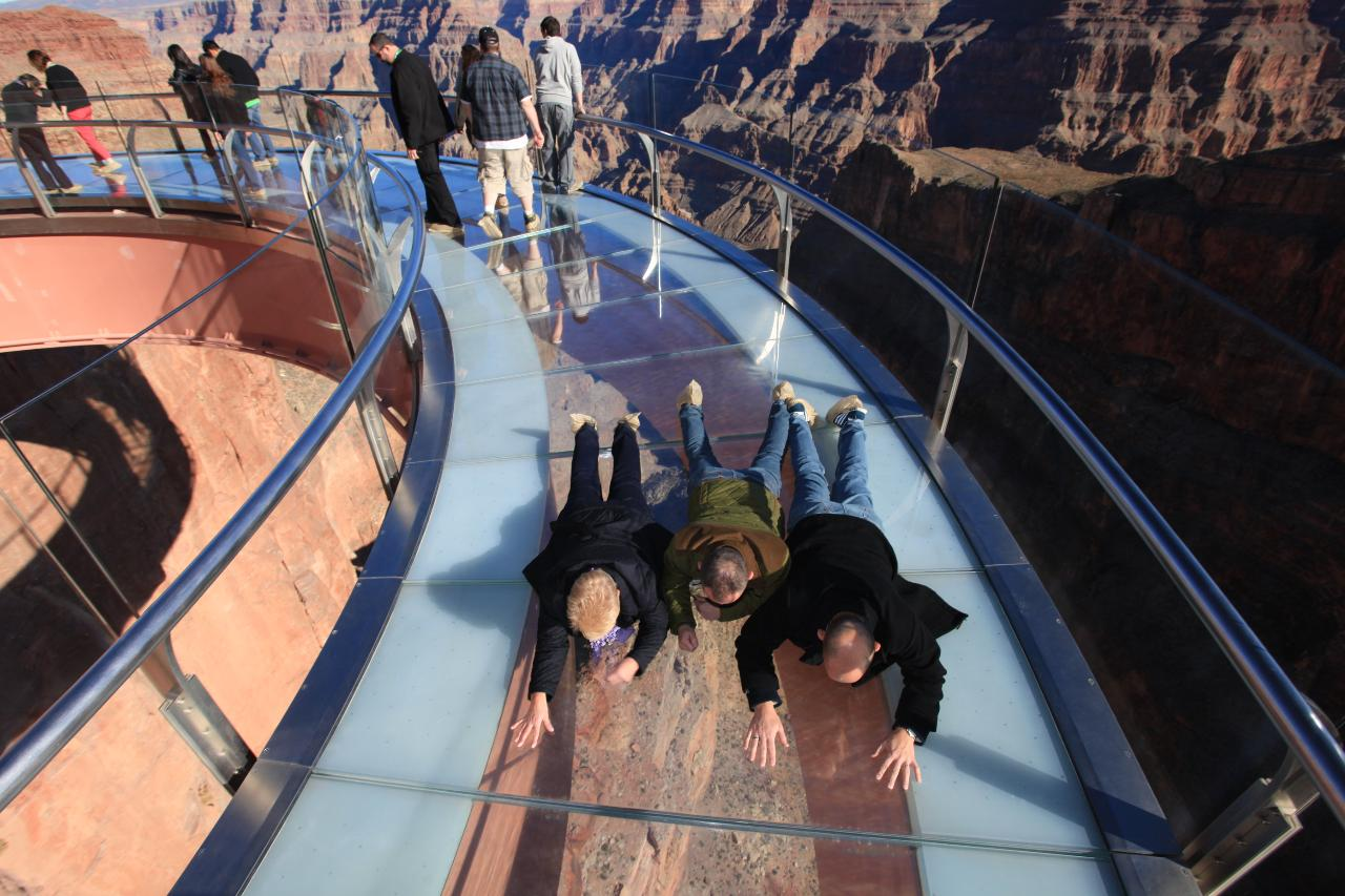 Grand Canyon West Luxury Bus Tour With Walking Guide photo 4