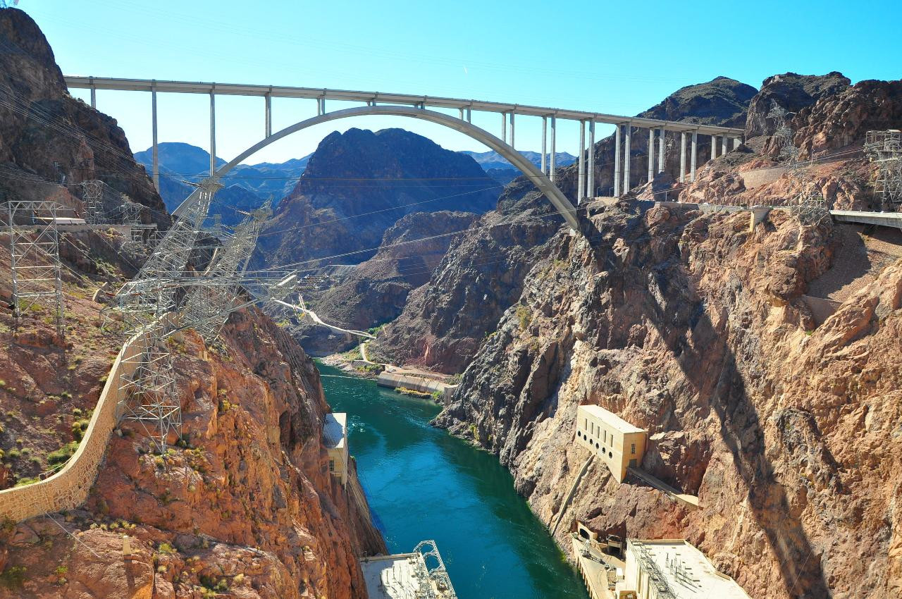 Hoover Dam Express Luxury Bus Tour  photo 6