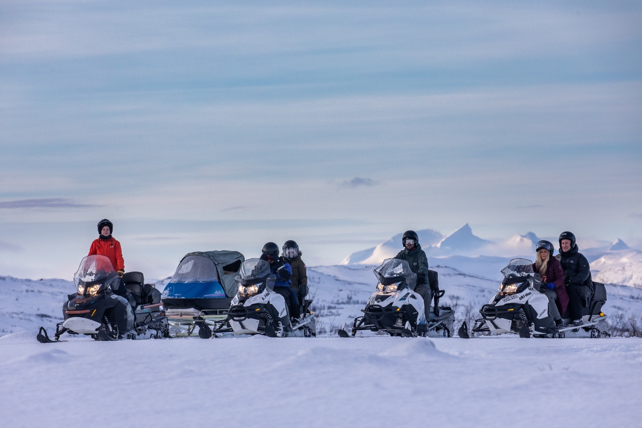 GREAT OUTBACK SNOWMOBILE TOUR