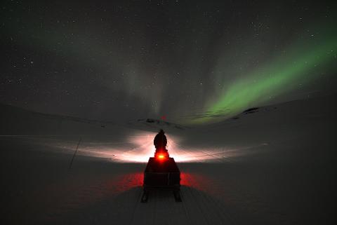 ABISKO - Northern light snowmobiling