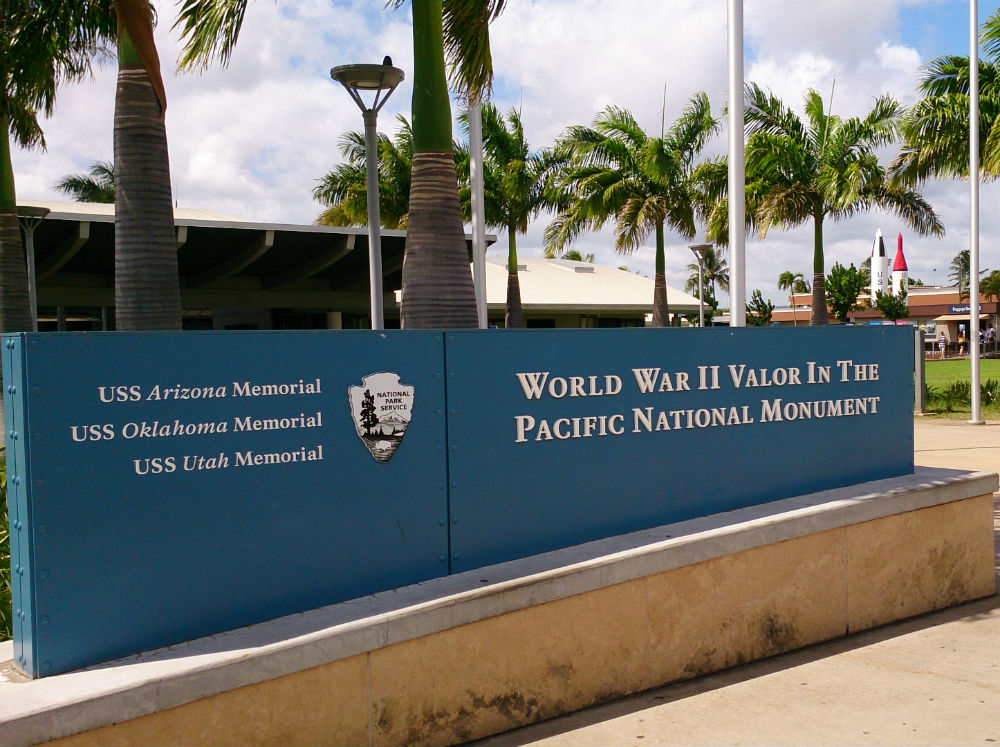 8:00am 伝説のノースショアと真珠湾太平洋戦争記念博物館ツアー