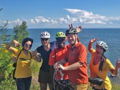 Scenic North Shore Bicycle Tour