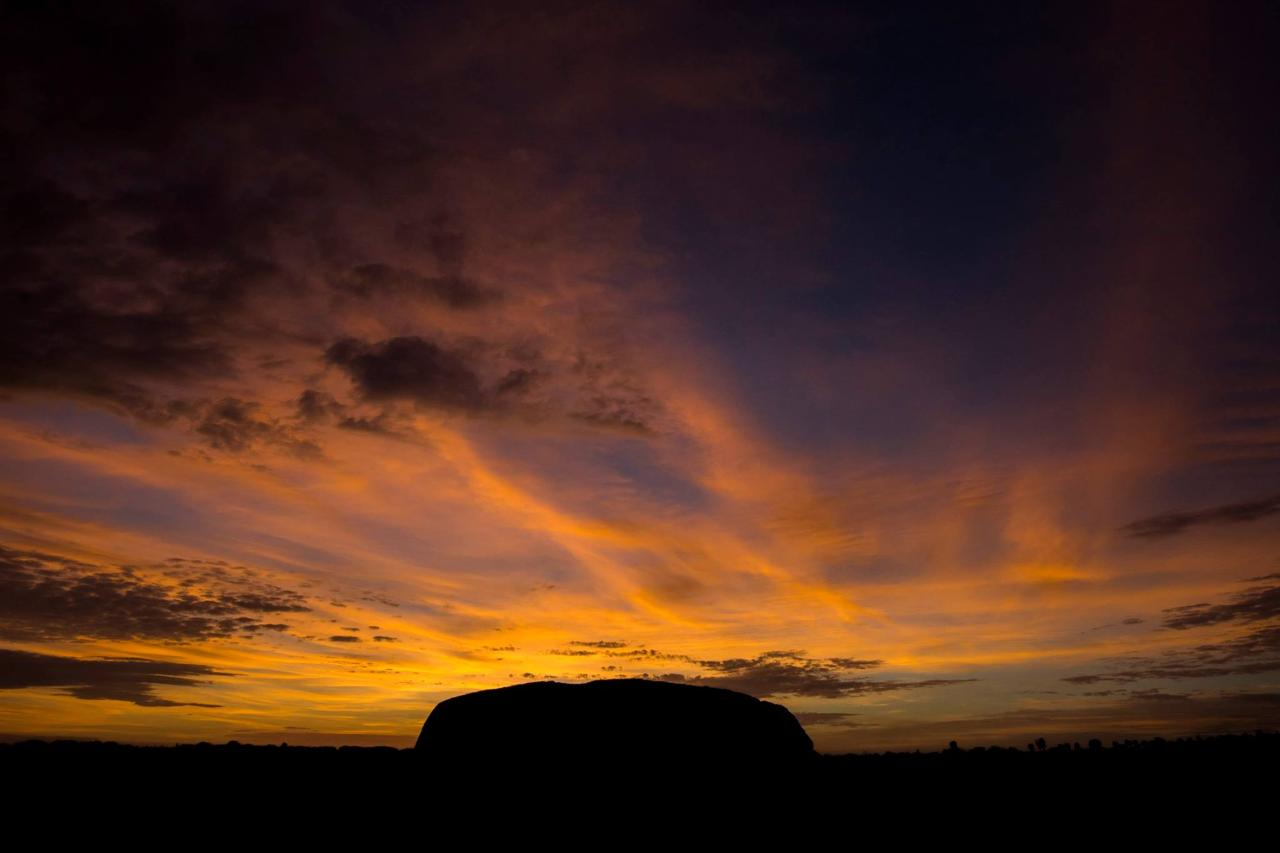 7 Day Package *Cairns to Ayers Rock (Uluru) plus continue to Adelaide*