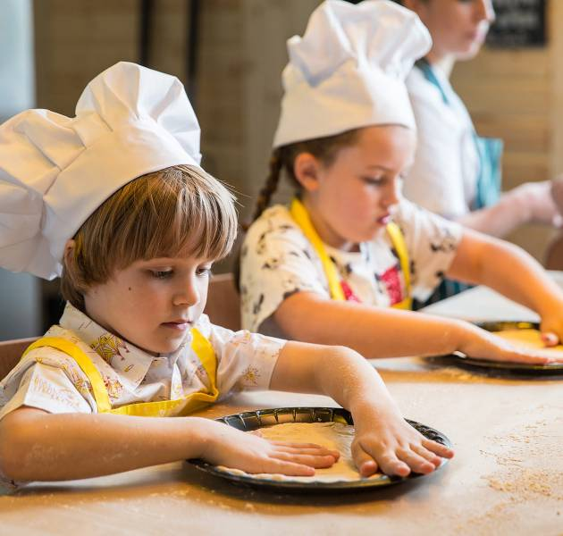 Master Chef: Make Your Own Pizza ($) - Location: Activities Hub