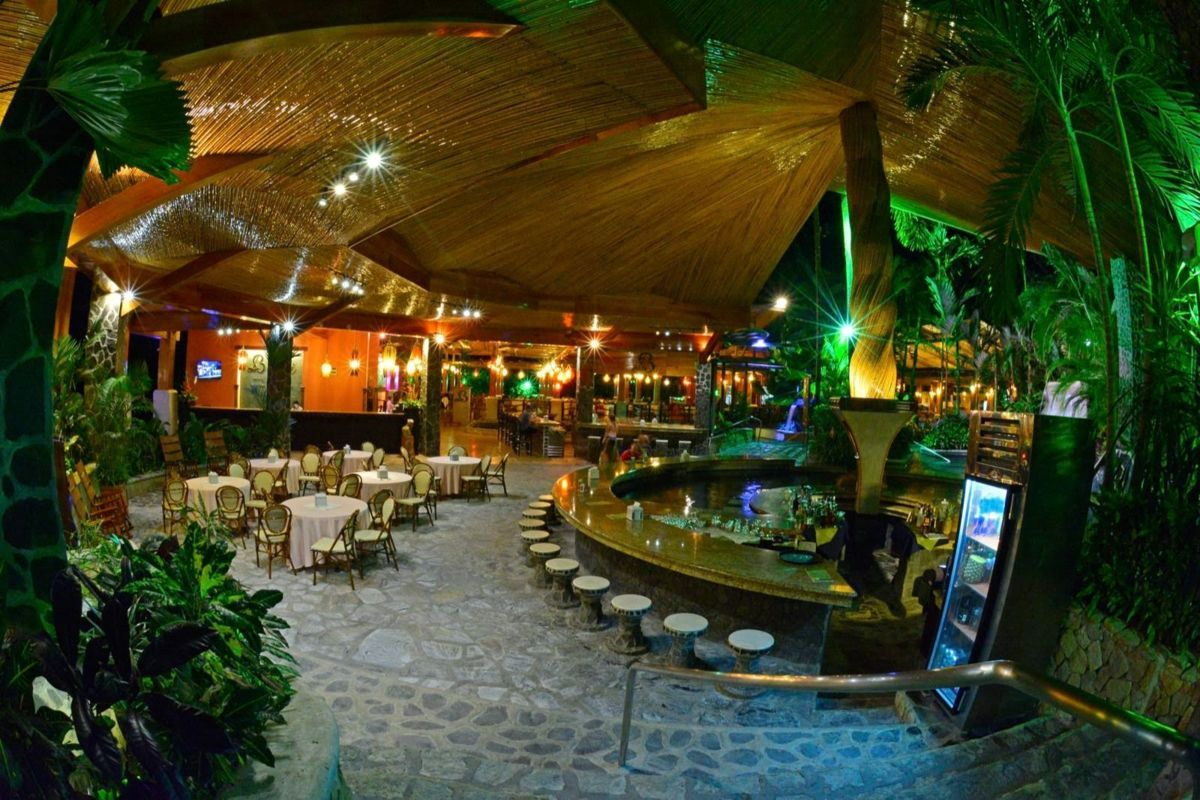 Salon Baldi : Arenal hot springs baldi­ dinner