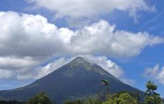 San Jose to Arenal Day Tour: Arenal Volcano View + Lunch + Hot Springs + Dinner