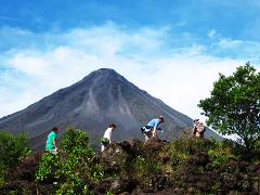 Arenal COMBO Tour: Volcano Hike + Baldi Hot Springs + Dinner