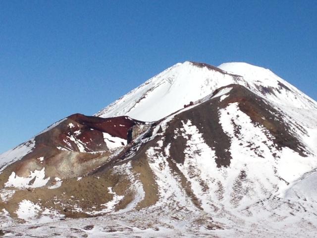 A Winter Track Safety Tongariro Alpine Crossing