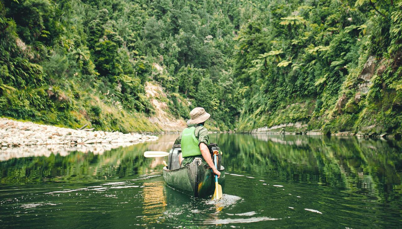STAY AND PLAY - 1 DAY WHANGANUI RIVER Save 50% off second night accommodation at Alpine Chalets