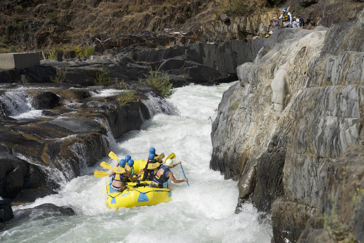 Middle Fork American River: Tunnel Chute (Class IV+ Whitewater)