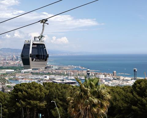 360° Barcelona on e-bike, catamaran and cable car tour - Half Day