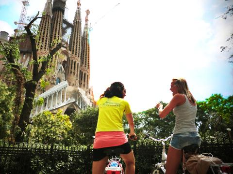 Classic ebike Barcelona Tour with Sagrada Familia visit - VIP Entrance INCLUDED! - 4hrs
