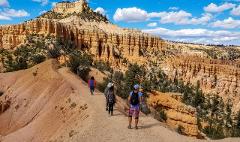 Women's Utah National Parks Hiking Tour