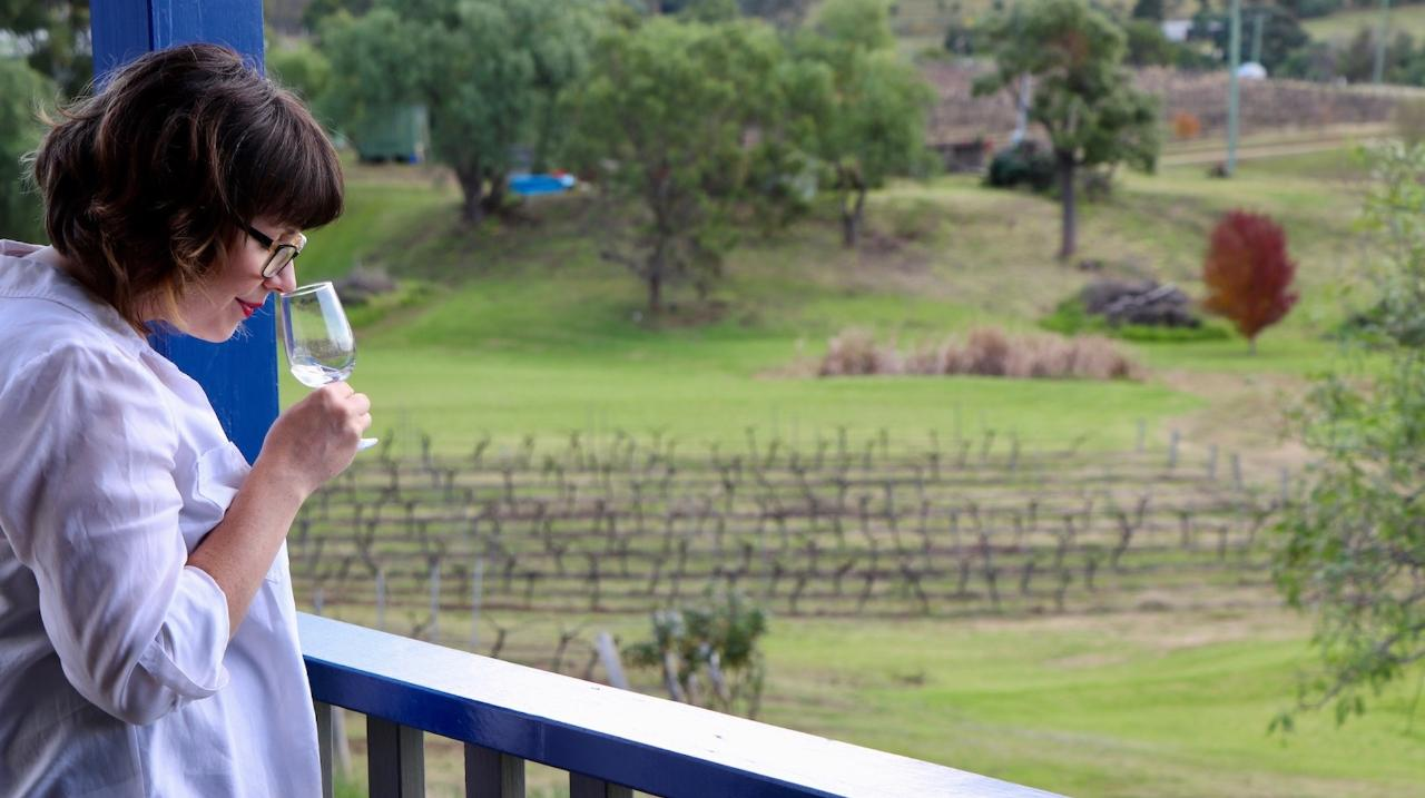 Sydney Return - Private Boutique Hunter Valley Winery Tour Full Day includes Two Course Delicious Lunch - from $1045 for 2 Guests & $120 each additional Guest (Up to 14 Guests)