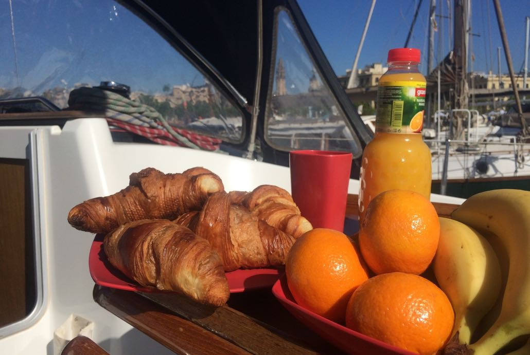 Sunrise & Sailing Experience Barcelona Exclusive