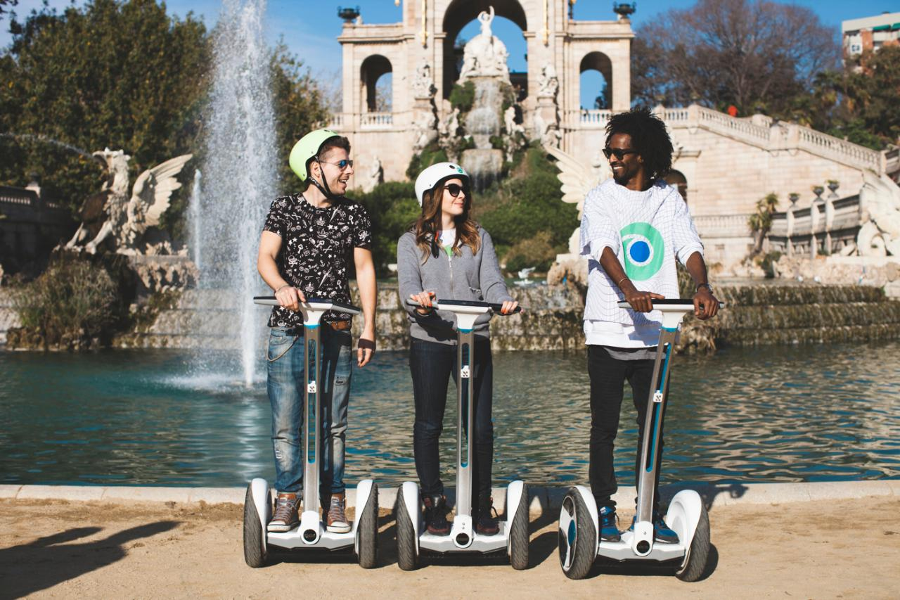 Segway Tour & Sailing Experience Barcelona Exclusive