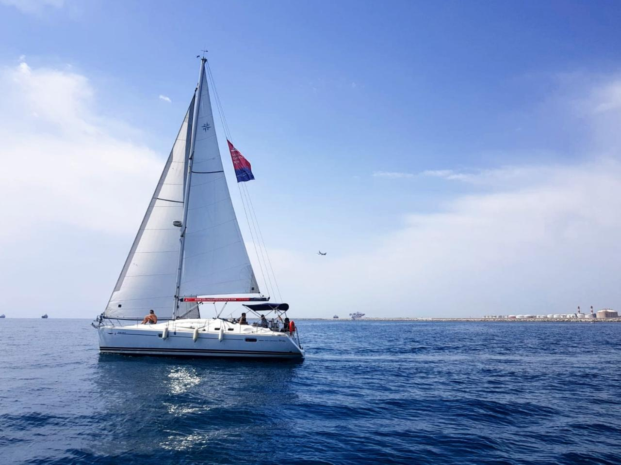 Exclusive 5 Hours Sailing Experience