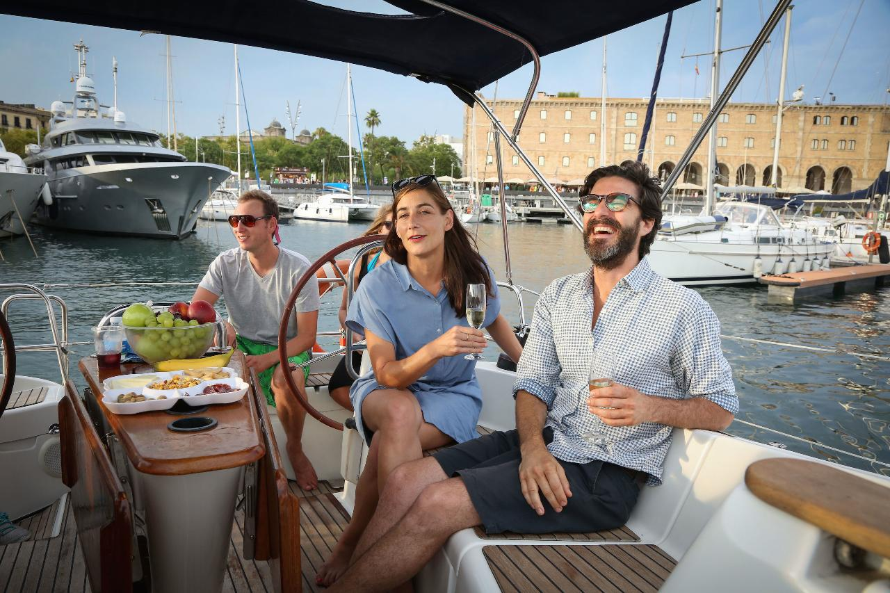 Light Brunch & Sailing Experience Barcelona Exclusive