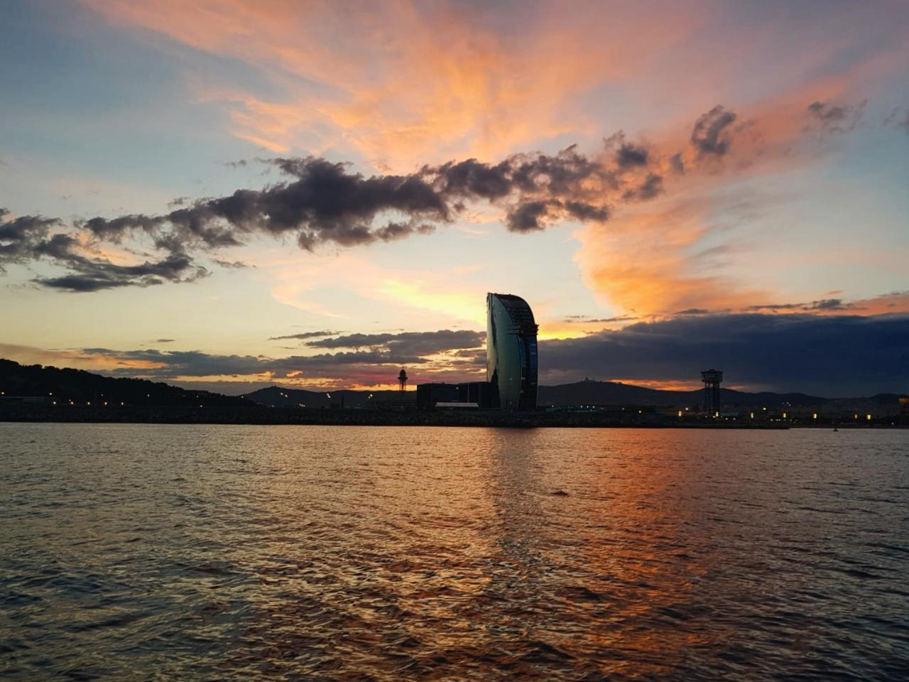 Sunset & Sailing Experience Barcelona