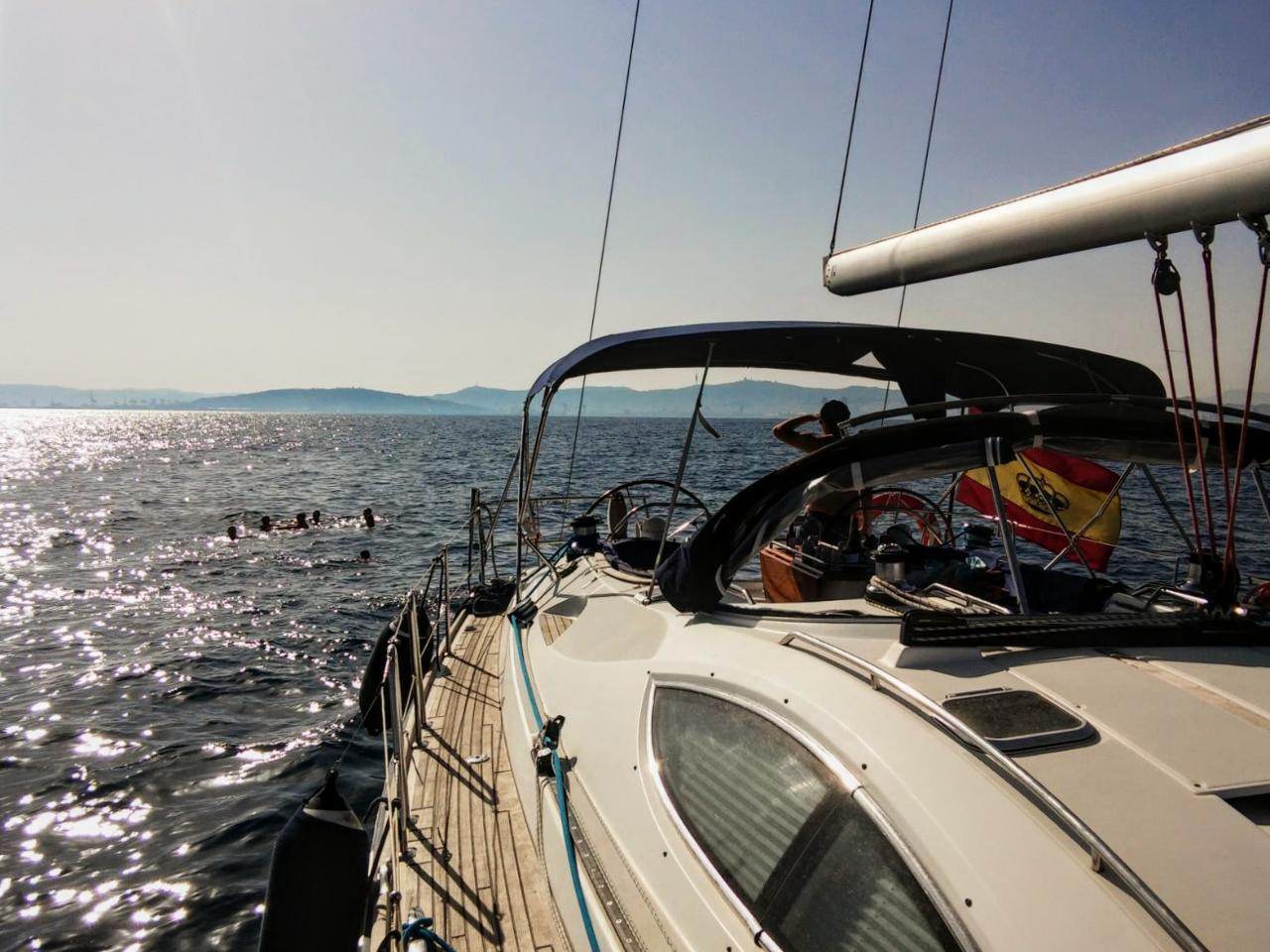 Vermut Time & Sailing Experience Barcelona from Euro 39,00 at 9.30am-12.00pm-2.30pm-4.30pm