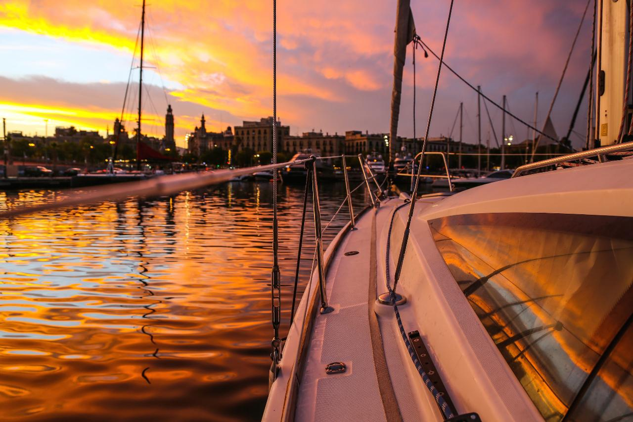 Sunset & Sailing Experience Barcelona Exclusive 3h