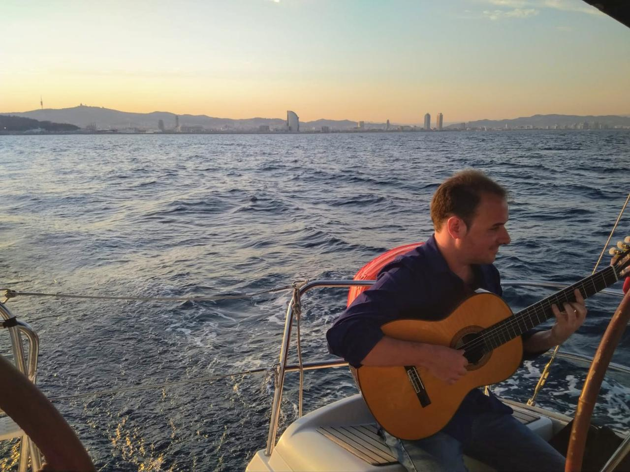 Spanish Guitar Live & Sailing Experience BCN From Ṕort Vell
