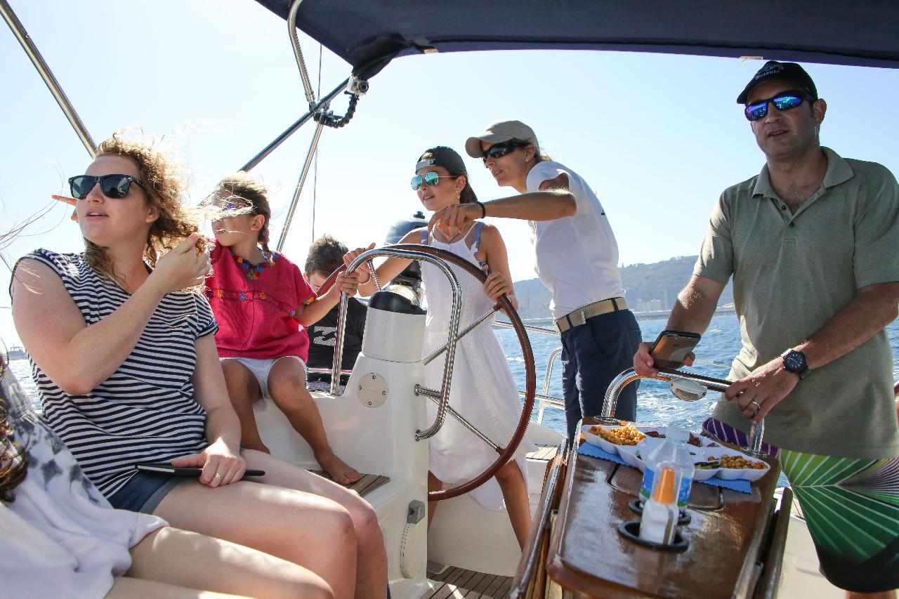 Exclusive 3 Hours Sailing Experience
