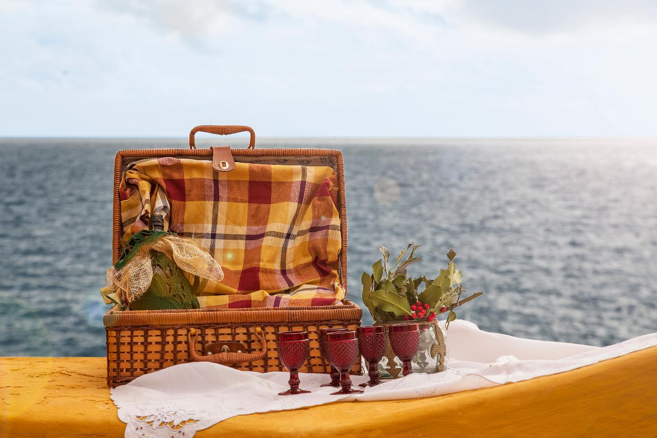 The perfect Madeiran picnic hamper