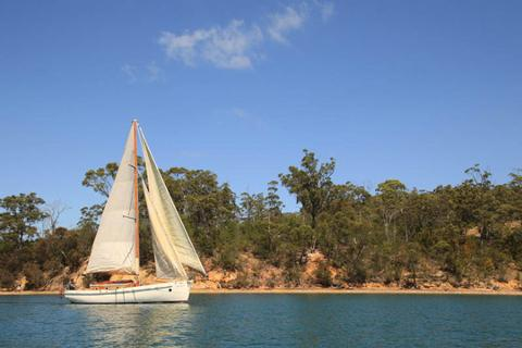 Day Sail Adventure – Bruny Island Tasmania Australia