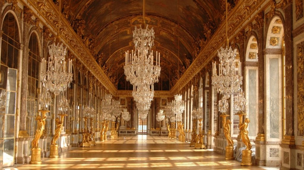 Full Day at Versailles - Royal Palace, Hall of Mirrors & Marie-Antoinette's Trianon