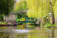 Private Tour of Monet's gardens in Giverny – Skip-the-line tickets and transportation
