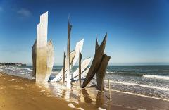 NORMANDY BEACHES PRIVATE TOUR : Local Expert guide & transportation from Paris