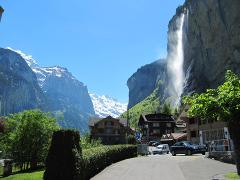 Lauterbrunnen 6 hours: Guided tour to the amazing Valley of the 72 Waterfalls