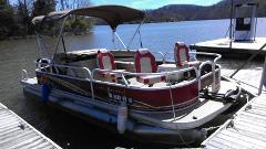 21' Sun Tracker Pontoon Boat - 10:00am to 4:00pm rental