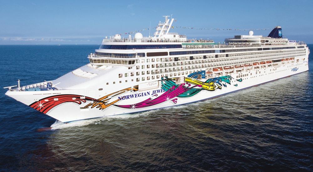 2017-18: Cruise Ship Norwegian Jewel