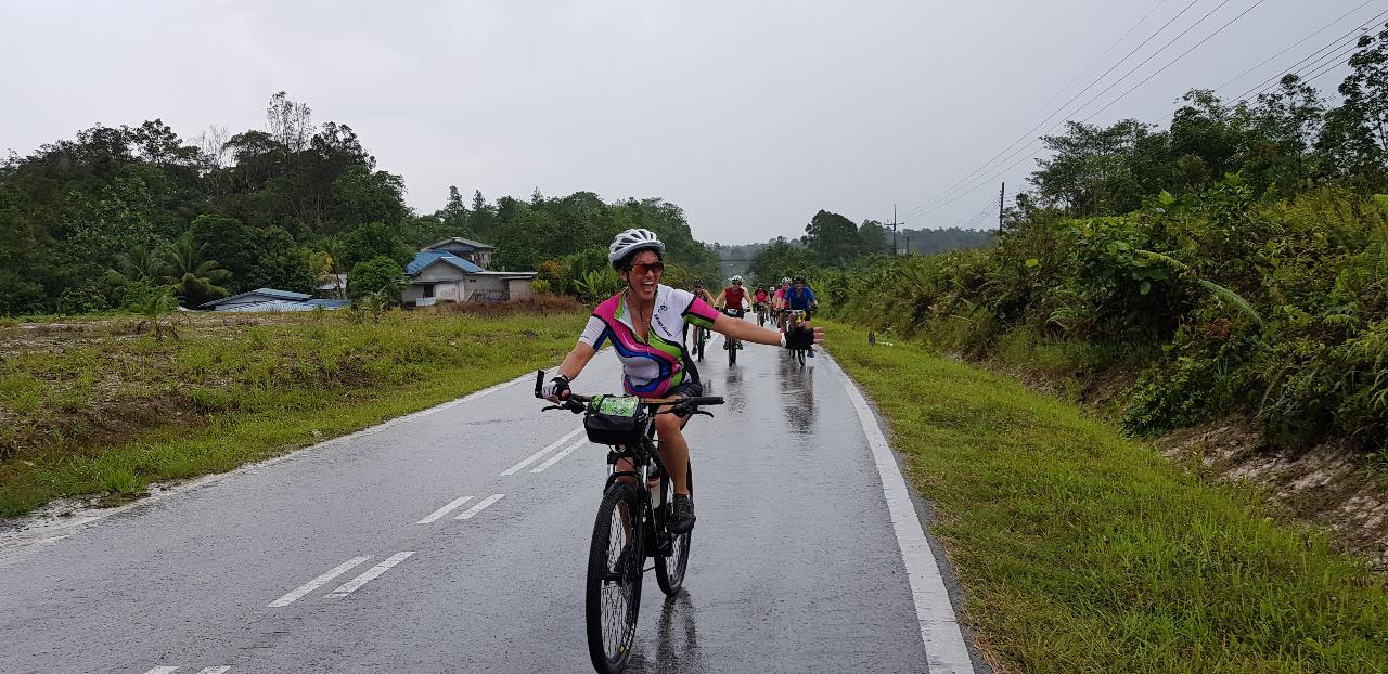 5-Day Pedal, & Paddle the Sarawak Rainforest (BM5A)