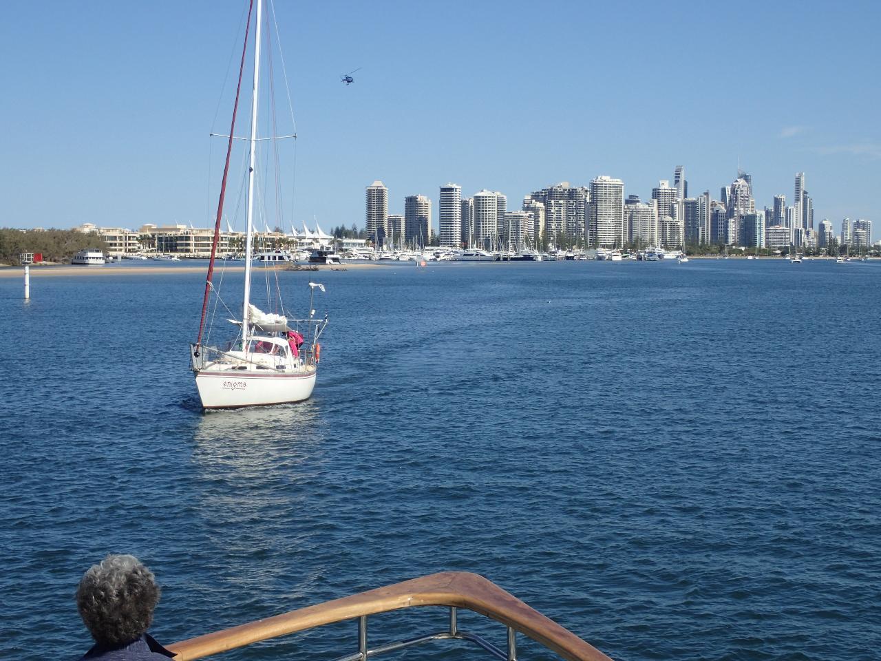 Gold Coast to Brisbane 300 Islands, sheltered water cruise