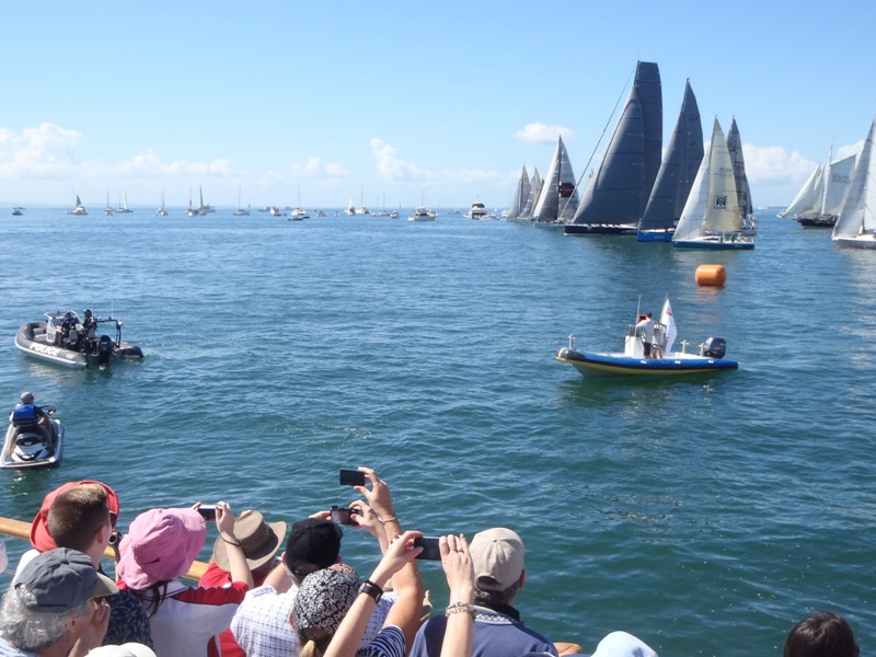 Brisbane to Gladstone Yacht Race-Northshore Hamilton departure