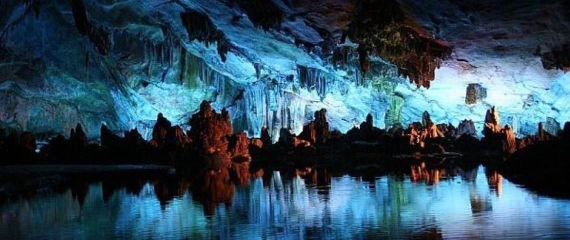 Hobbiton And Waitomo Caves Tour From Hamilton